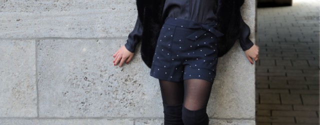 Outfit Black Fashionblog Overknees, Hotpants and Fake Fur