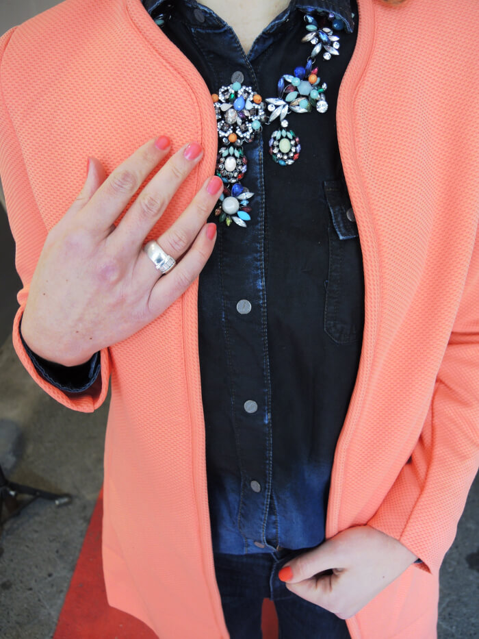 Outfit: Coral Coat, Kationette, Fashionblog, Look, Streetstyle, H&M, Zara, Statement Necklace, Fashion