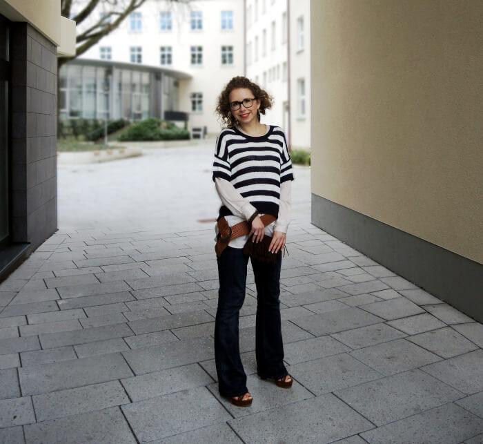 Outfit: 70s Reloaded Part I, Look, Streetstyle, Fashionblog, Modeblog, Kationette, Plateau, Platform Sandals, Flared Jeans