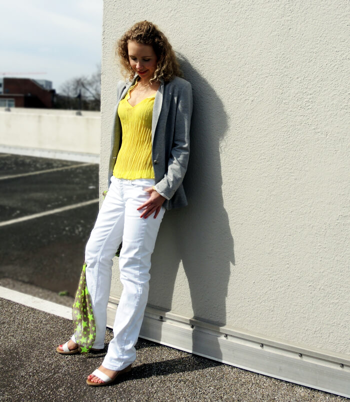 Outfit: White Pants and Yellow Tee, Fashionblog, Modeblog, Kationette, Streetstyle, Style, Look