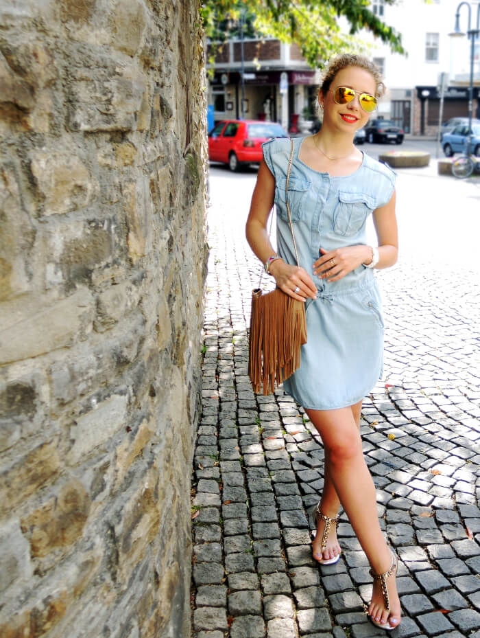 Outfit: Light Blue Jeans Dress and Mirrored Sunnies, Kationette, Fashionblog, Modeblog, Style, Streetstyle, Summer 2015