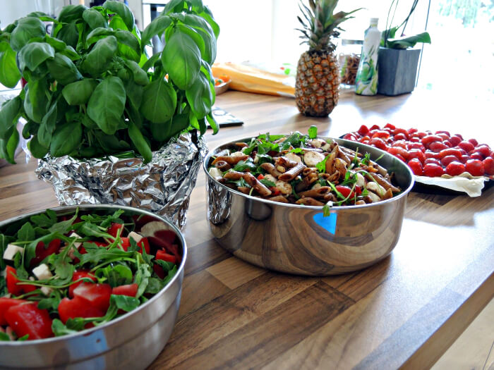 Summery Party Recipes: Mediterranean Noodle Salad, Watermelon Salad and Strawberry Tarte, Kationette, Foodblog, Rezept, Fashionblog