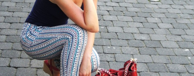 """Outfit: Zara """"Pajama Pants"""" and some red Highlights, Kationette, Fashionblog, Style, Streetstyle, Look"""