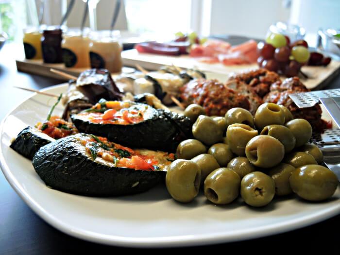 Food: Cheese Platter, Foodblog, Cheese, Cheeseboard, Käseplatte, Essen, Fashionblog, Lifestyleblog, Kationette, Antipasti