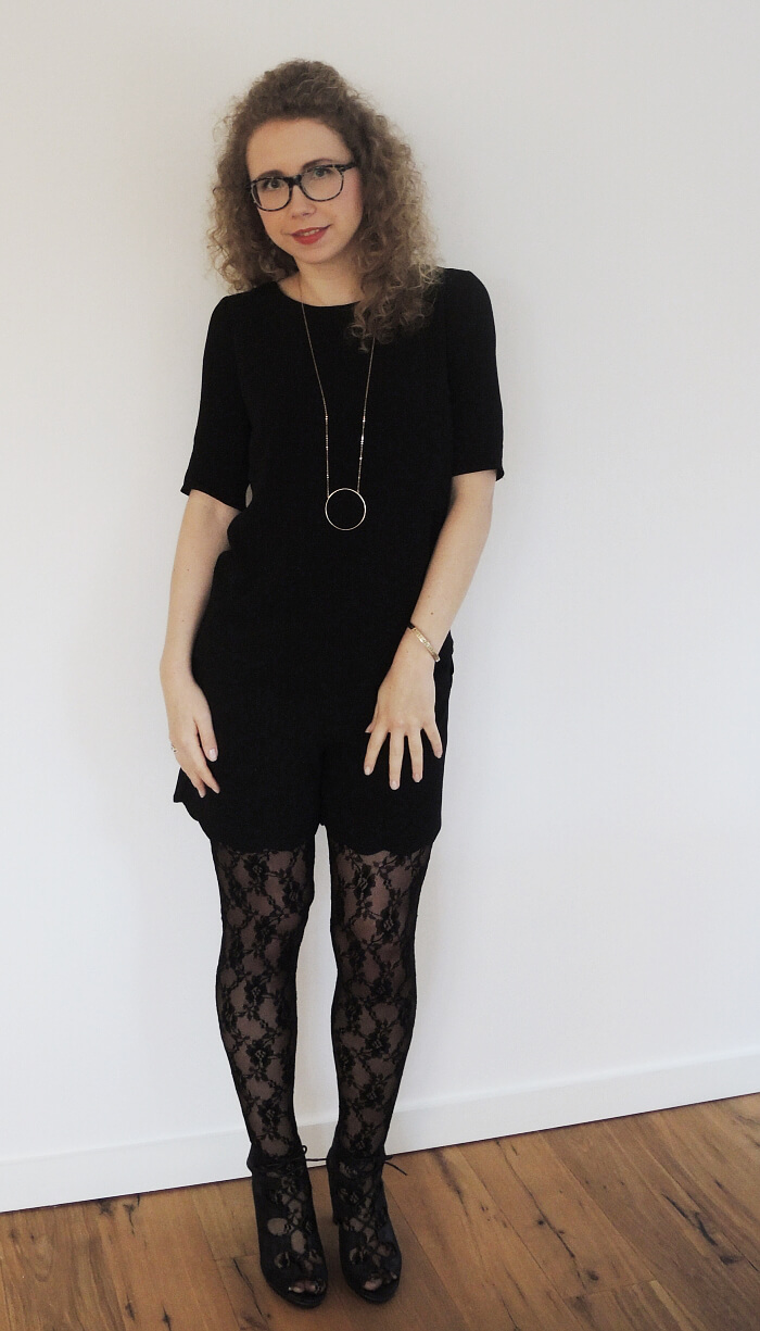 Outfit: Black Co-Ord, lace tights and lace-up sandals, Kationette, Fashionblog, Modeblog, ootn, lotn