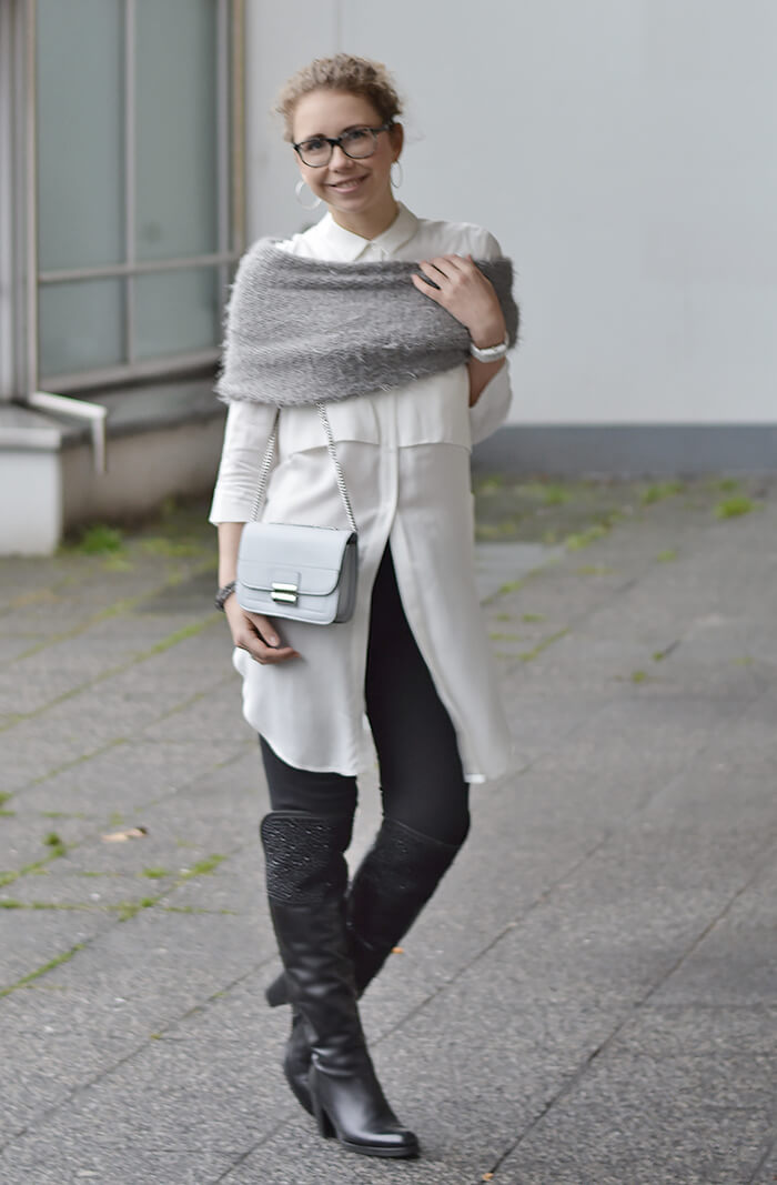 Outfit: Long blouse, Overknees and mini bag, Kationette, Fashionblog, Modeblog, Streetstyle