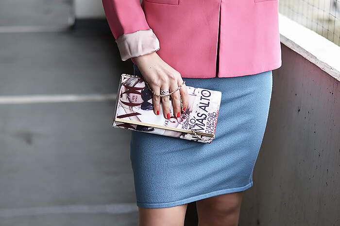 Outfit: Bodycon Dress and Blazer - Dressed up in Pantone Color of The Year