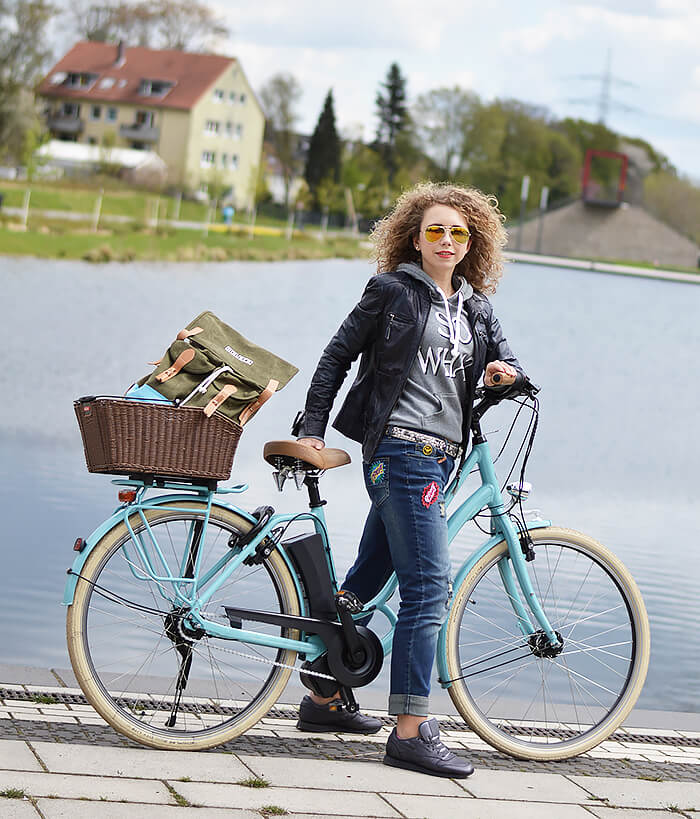 Outfit: Selfmade Patched Jeans for a Tour with my new Kalkhoff E-Bike