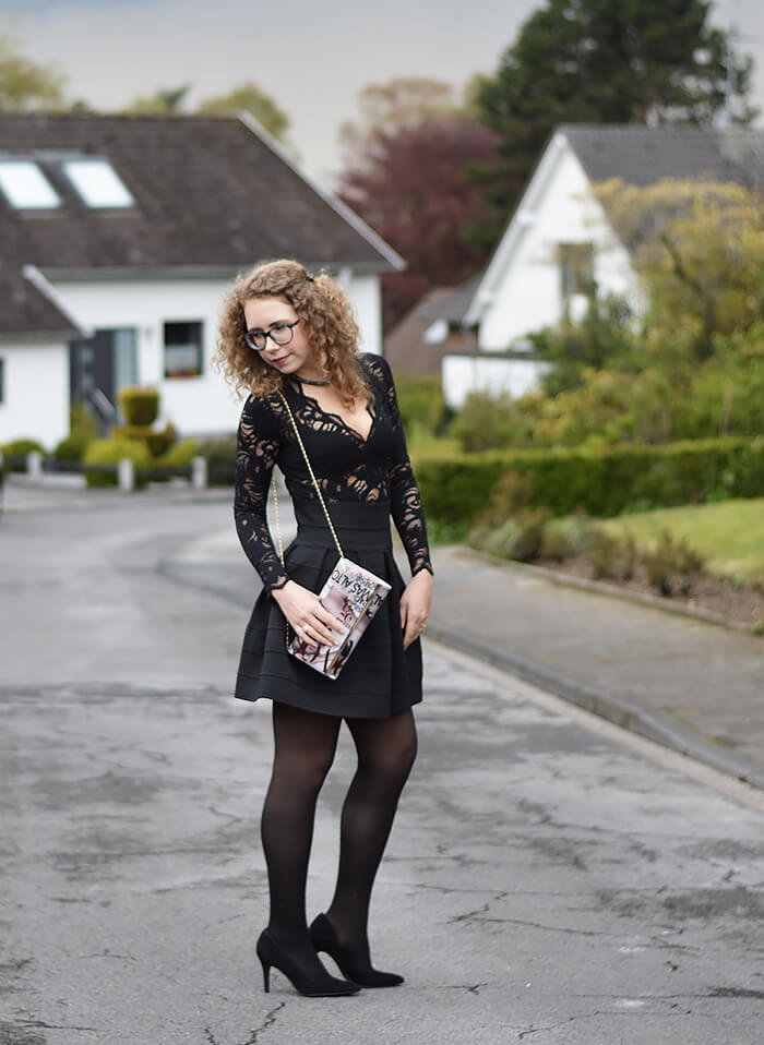 Outfit: Allblack with Lace Body and Flared Skirt for the Opera