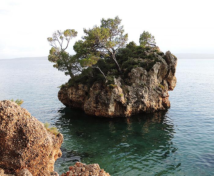 Kationette-travelblog-coatia-brela-adria-riviera-coast-beach-stone