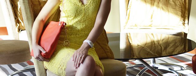 Kationette-fashionblogger-outfit-yellow-lace-dress-radisson-blu-rostock