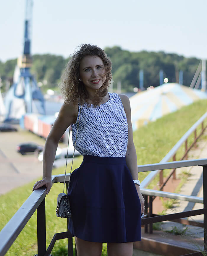 Kationette-outfit-maritime-flared-skirt-furla-metropolis-rostock