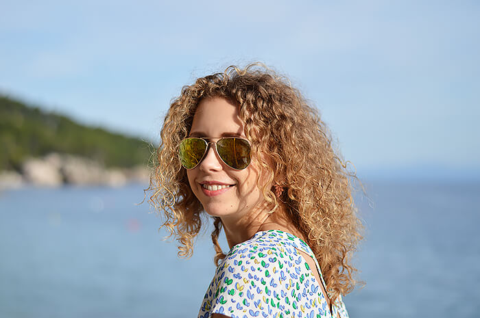 Kationette-travelblog-coatia-brela-adria-riviera-coast-beach-curls