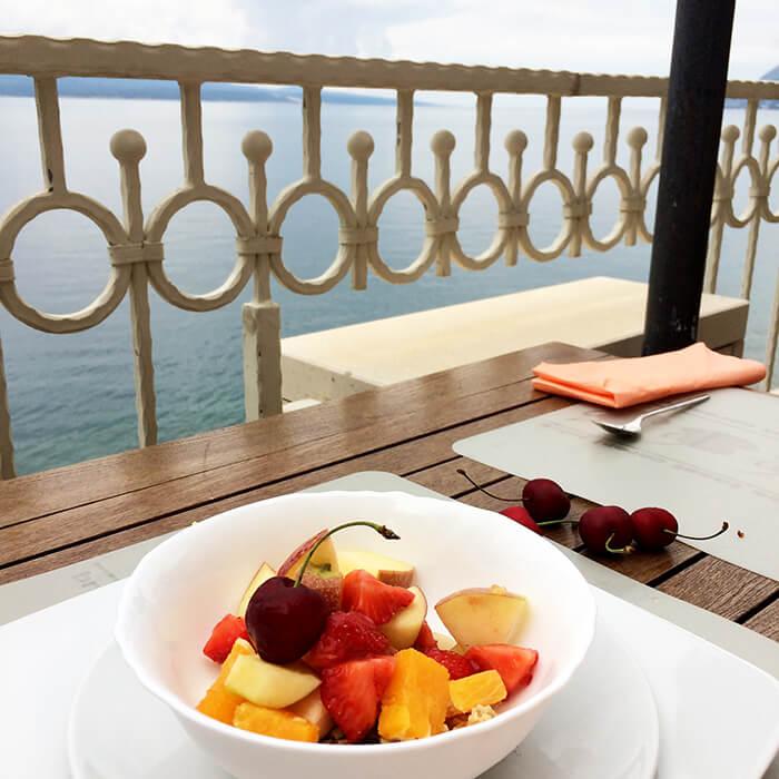 Kationette-travelblog-coatia-brela-adria-riviera-coast-beach-hotel-sunceva-postelja-breakfast