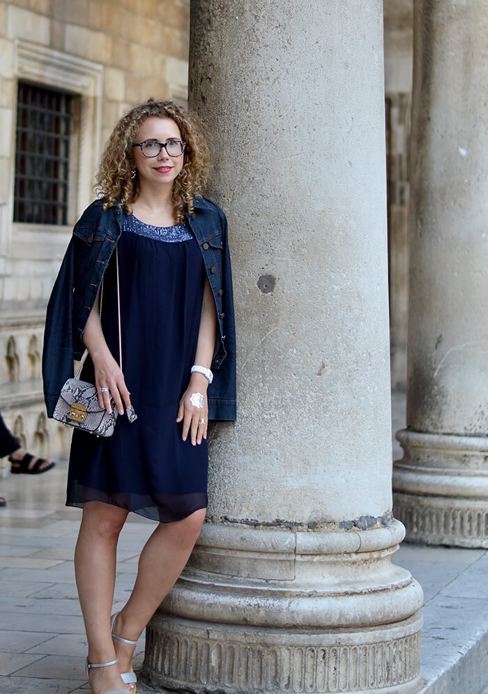 Kationette-Fashionblog-Outfit-Blue-Silk-Dress-Furla-Metropolis-Dubrovnik-old-town