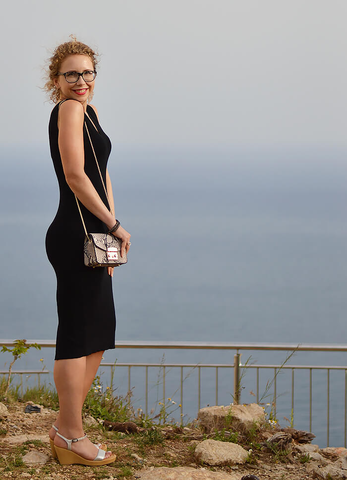 kationette-fashionblog-outfit-ootn-little-black-dress-bodycon-croatia-dubrovnik-curls-furla
