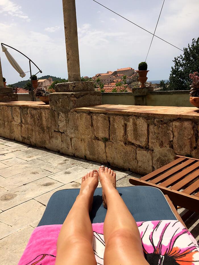 Kationette-lifestyleblog-travelblog-croatia-dubrovnik-apartments-villa-ani-tip-review-terrace-sunbathing