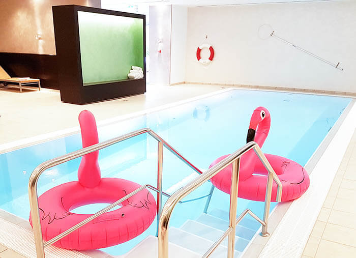 kationette-radissonblu-scandinavia-hotel-duesseldorf-cocktailparty-wellness-flamingo-pool-girlsnight-travelblog-lifestyleblog