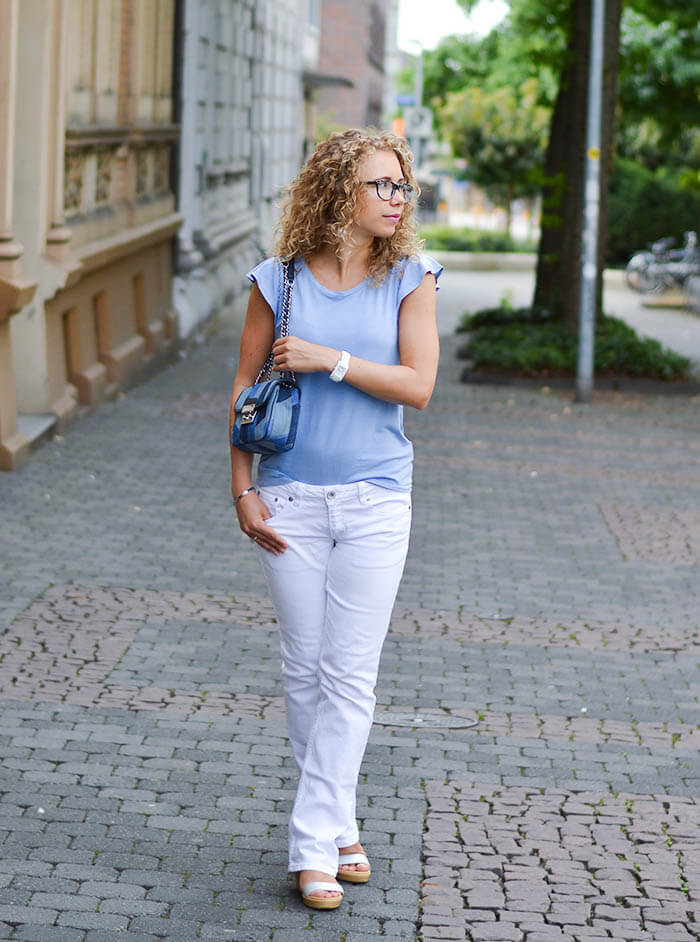 Fashion: Michael Kors Patchwork Denim Bag, White Jeans and Blue Tee