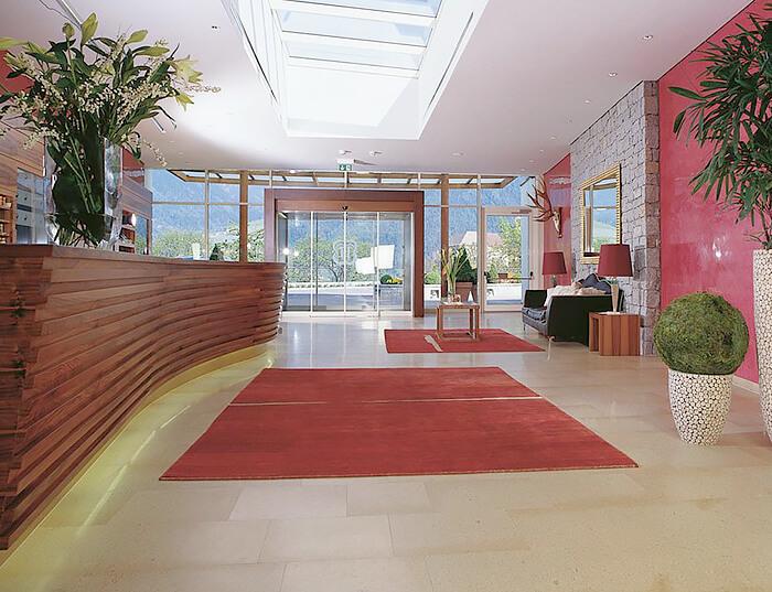 eingangshalle-hotel-hohenwart-suedtirol