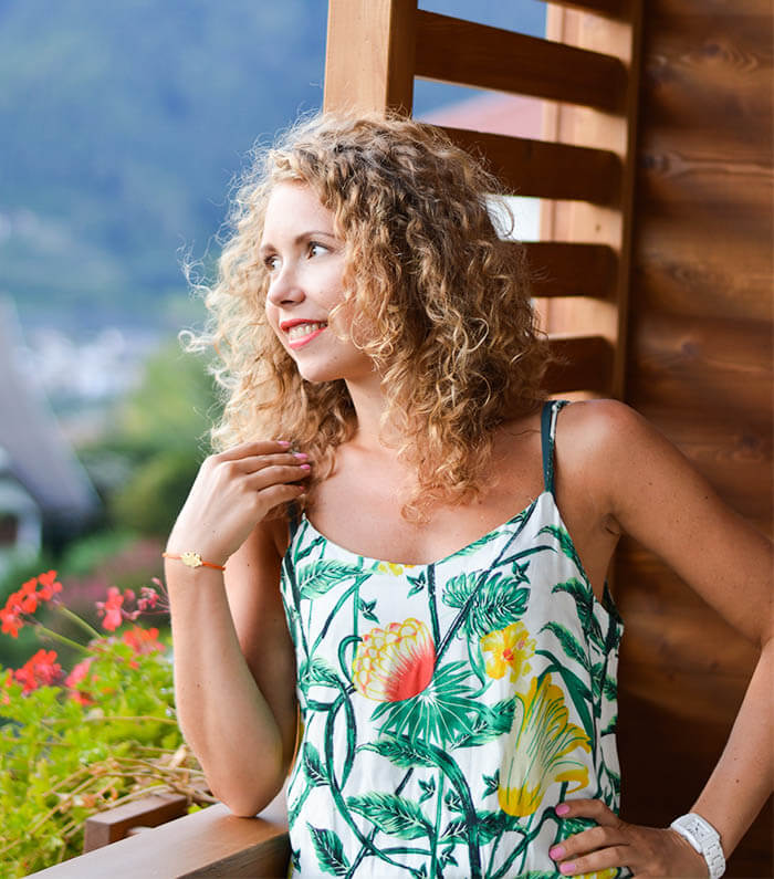 Kationette Fashionblog Outfit Tropic Jumpsuit Curls South Tyrol