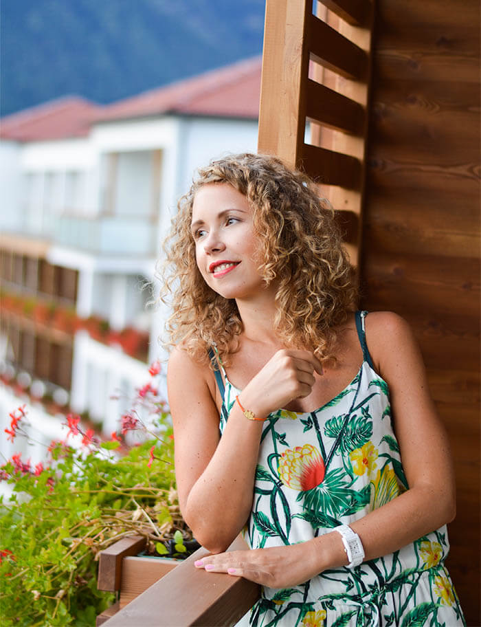 Kationette Fashionblog Outfit Tropic Jumpsuit Curls South Tyrol Hotel Hohenwart