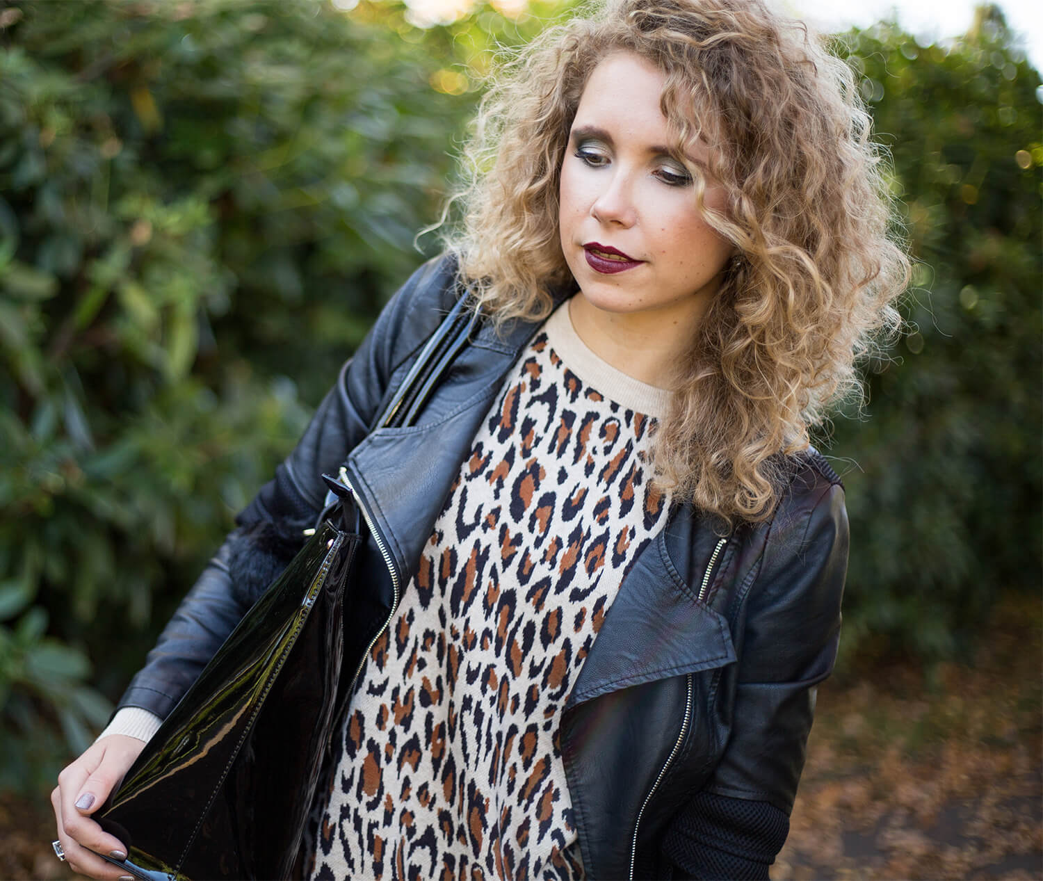 Outfit: Indian Summer with Leo Print, Fishnet and Leather