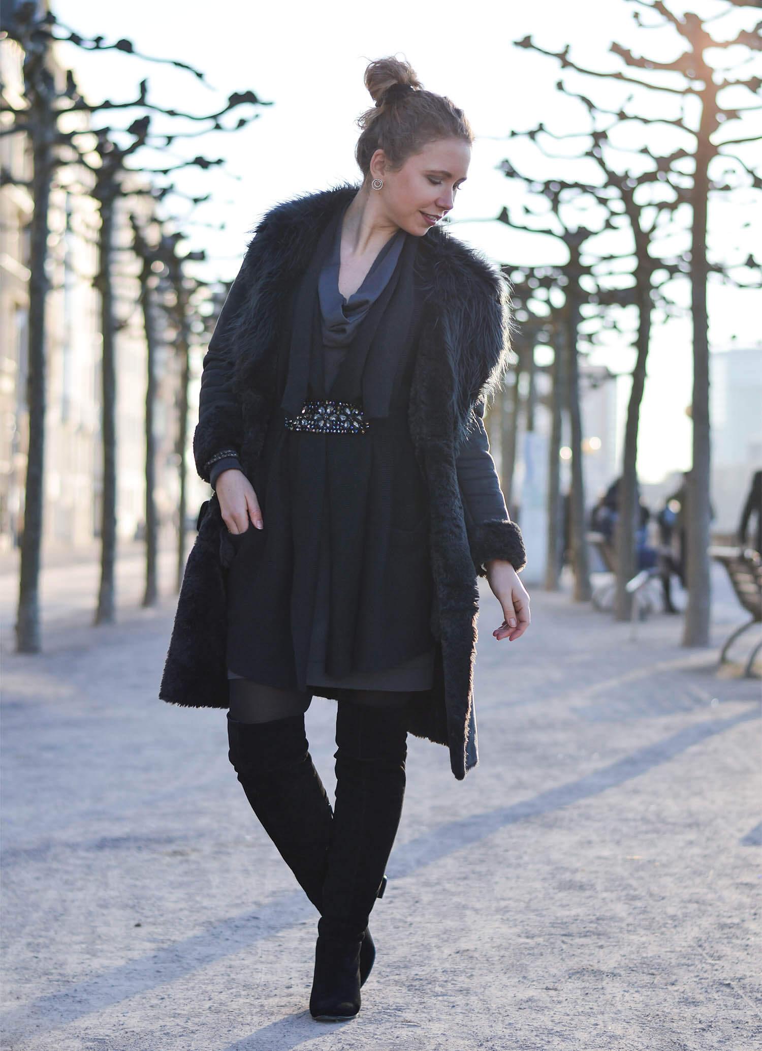 Kationette-fashionblog-Outfit-Shadesofgrey-Shearling-Knit-Overknees-Dusseldorf-curls-bun