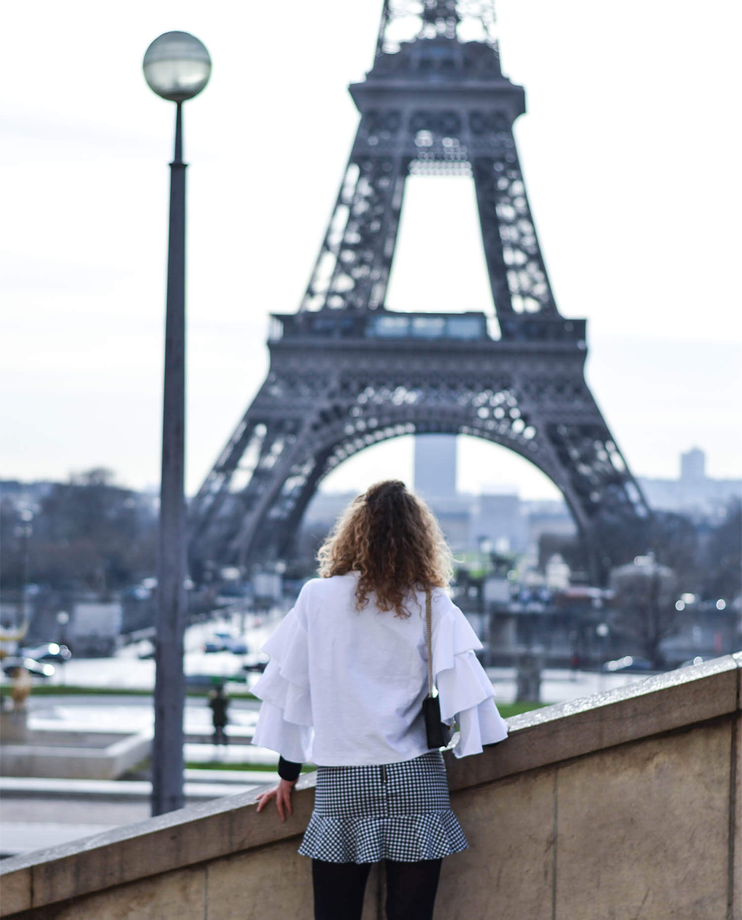 Kationette-Fashionblog-Kationette-Outfit-Volants-Vichy-Check-Chanel-EiffelTower-Paris