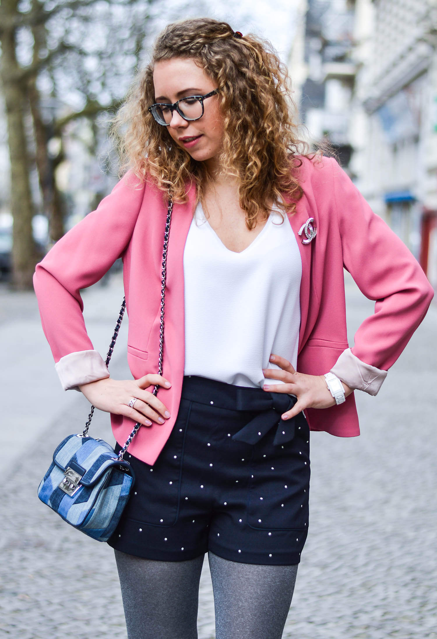Kationette-fashionblog-nrw-Outfit-Spring-Look-Pink-Blazer-Shorts-Dandy-Shoes-streetstyle