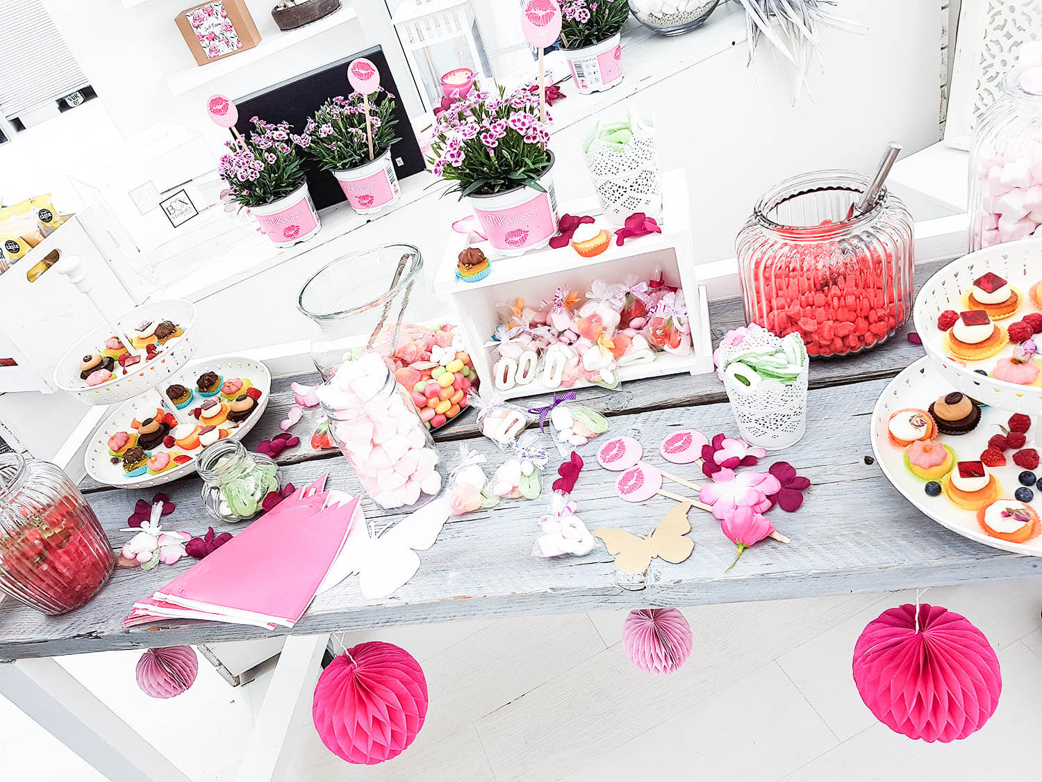 Kationette-lifestyleblog-Lifestyle-Launch-blogger-Event-Box-Stories-gofeminin-flowercrown-whiteloft-duesseldorf