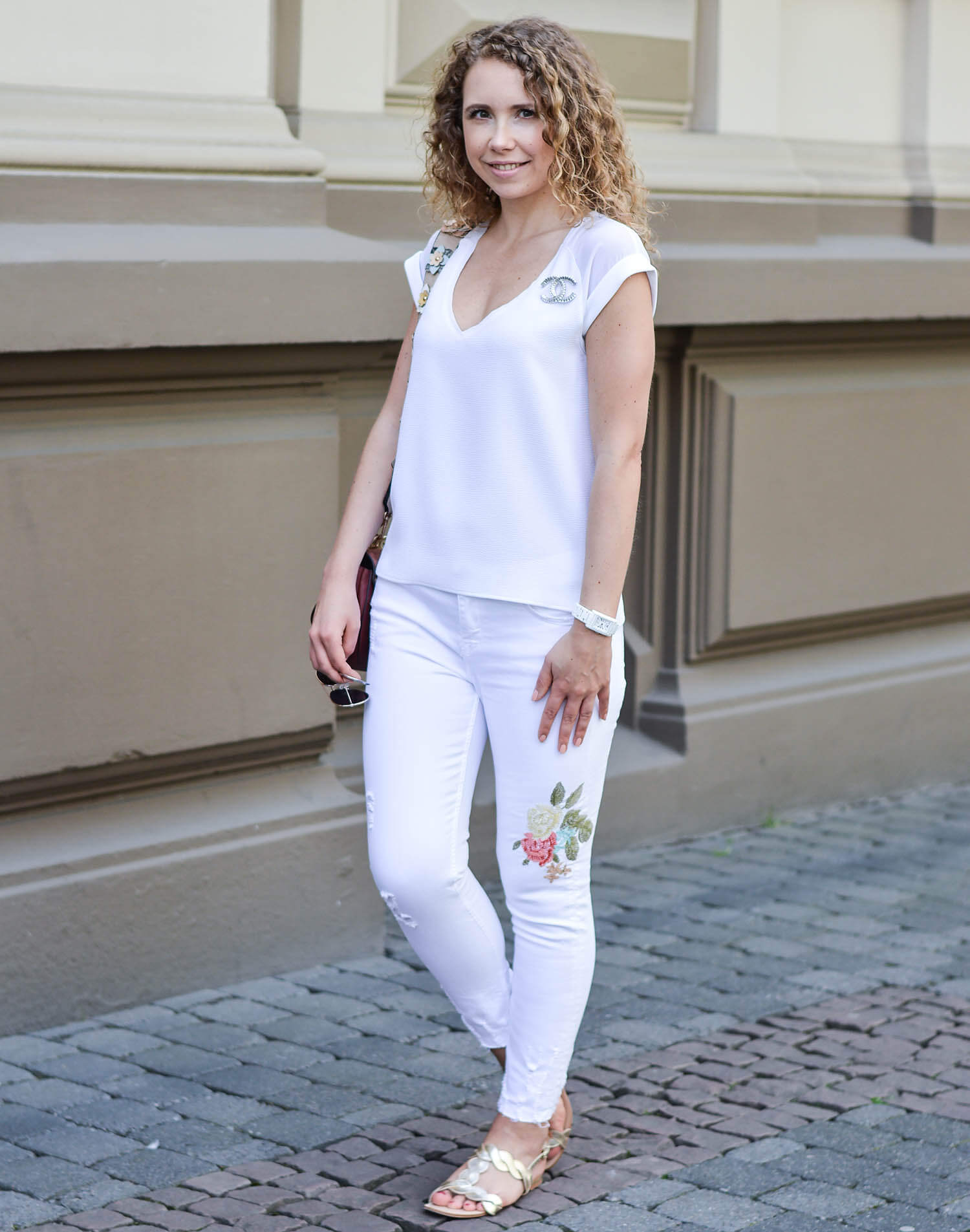 kationette-fashionblog-nrw-Outfit-Allwhite-Embroidery-Michael-Kors-Shoulder-Strap-streetstyle