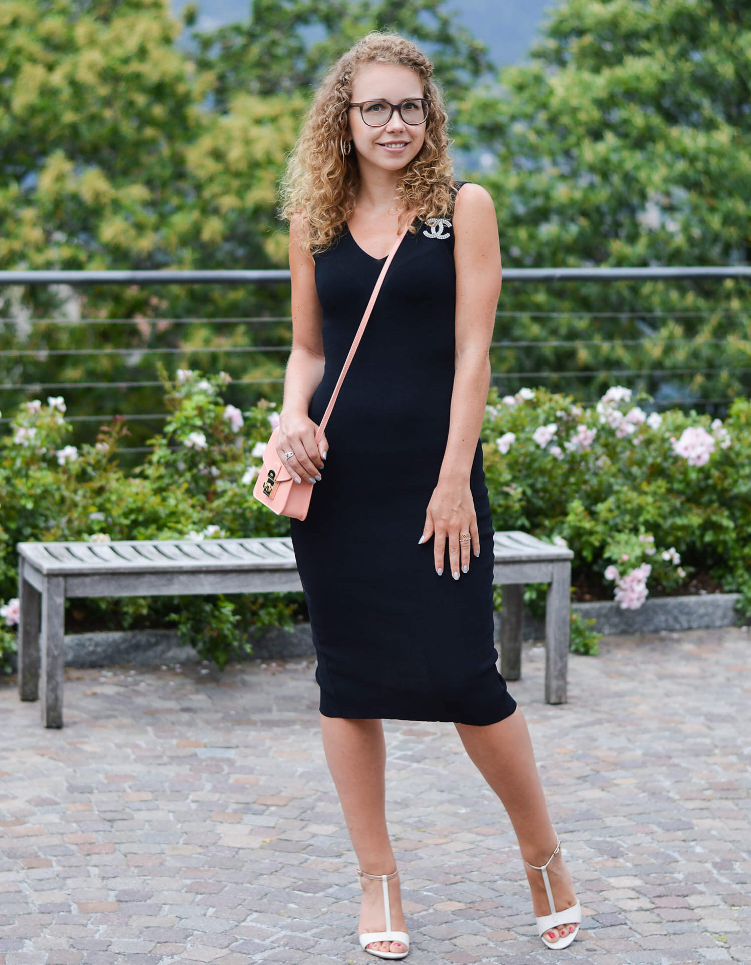 Kationette-fashionblog-nrw-Outfit-Little-Black-Dress-Fula-Chanel-South-Italy