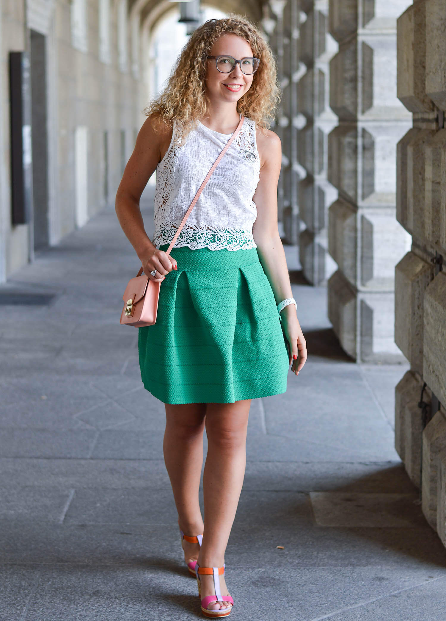 Kationette-fashionblog-nrw-Outfit-White-lace-top-zara-and-Green-flared-skirt-hm-furla-chanel