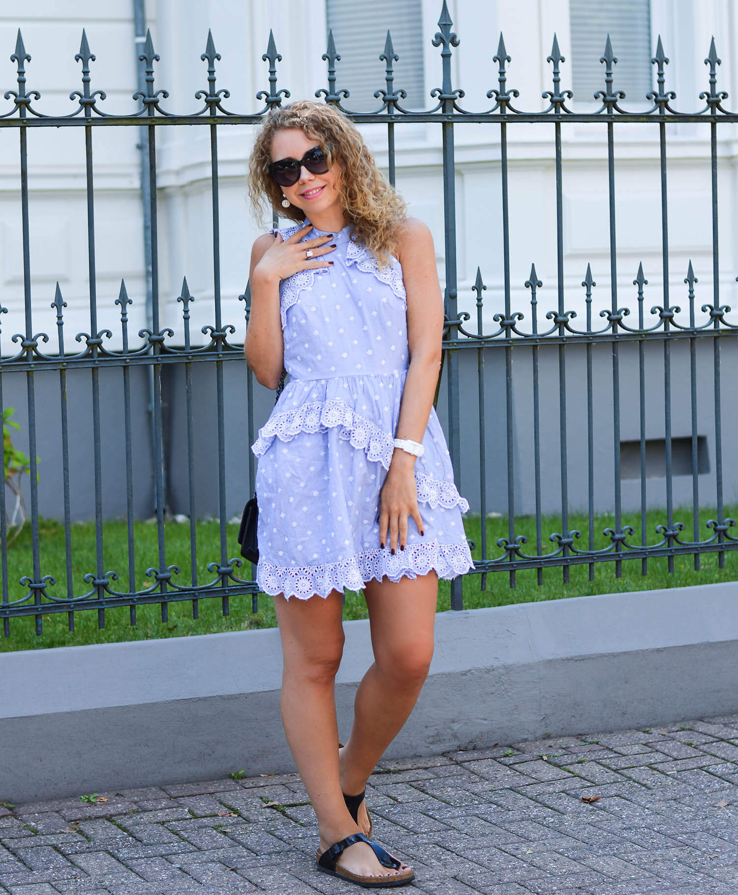 kationette-fashionblog-nrw-Outfit-H&M-trend-dress-broderie-anglaise-volants