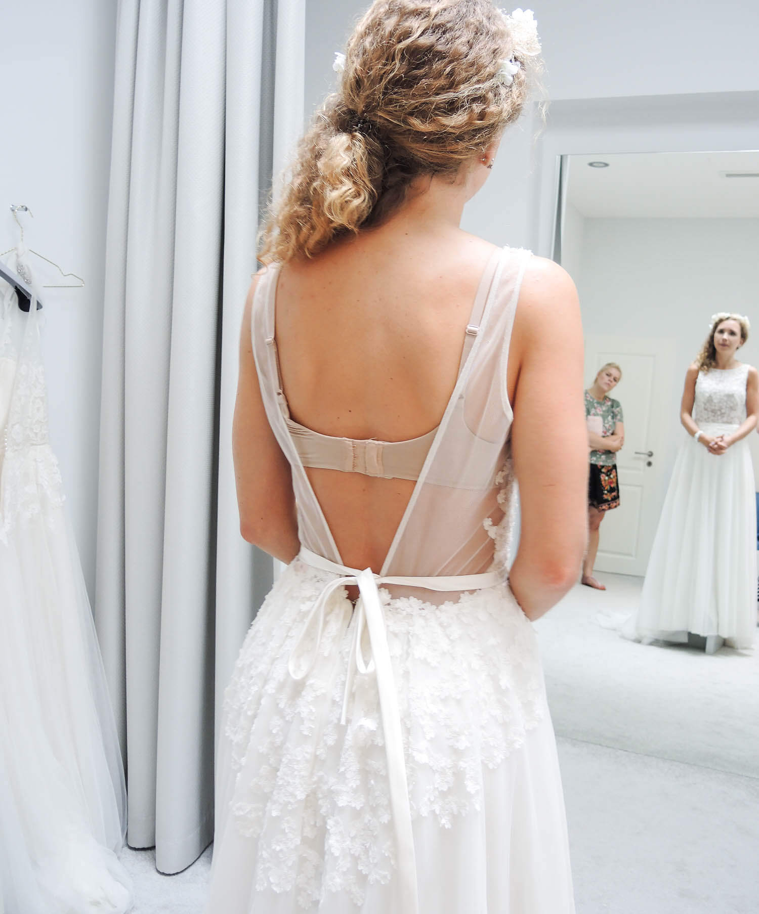 Kationette-fashionblog-lifestyle-Wedding-Update-Bride-Dress-fitting-IamYours-Dusseldorf