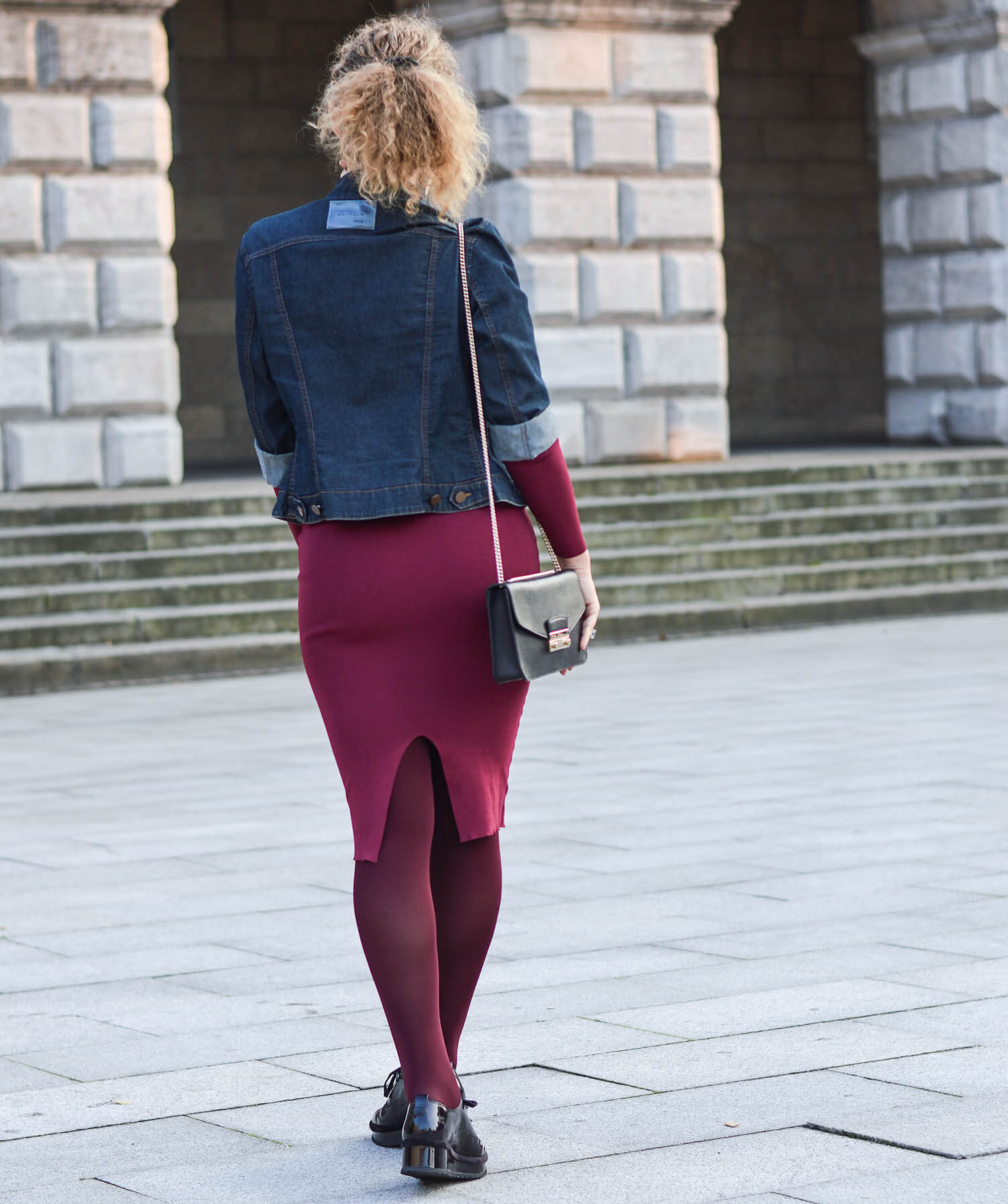 Kationette-fashionblogger-nrw-Outfit-Burgundy-Fall-Dress-Denim-Jacket-and-Platform-Shoes