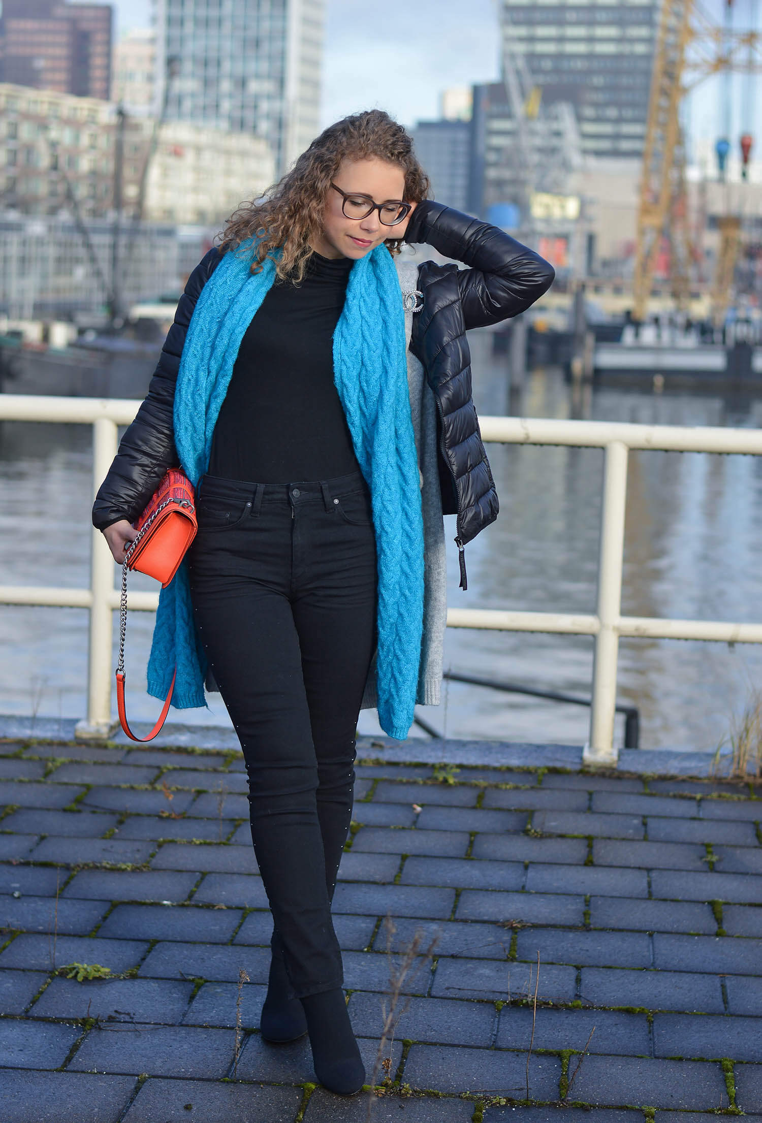 Outfit-Studded-Denim-Long-Cardigan-Sock-Boots-and-Zara-Scarf-Rotterdam-kationette-fashionblogger-streetstyle