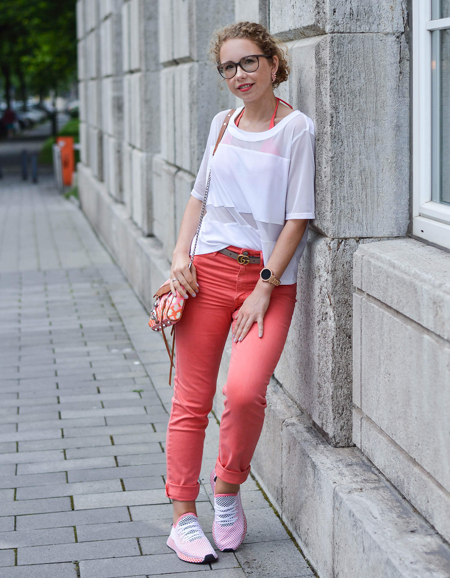 Coral-colored-denim-pants-adidas-deerupt-runner-rebecca-minkoff-bag-kationette-fashionblogger-nrw-outfit