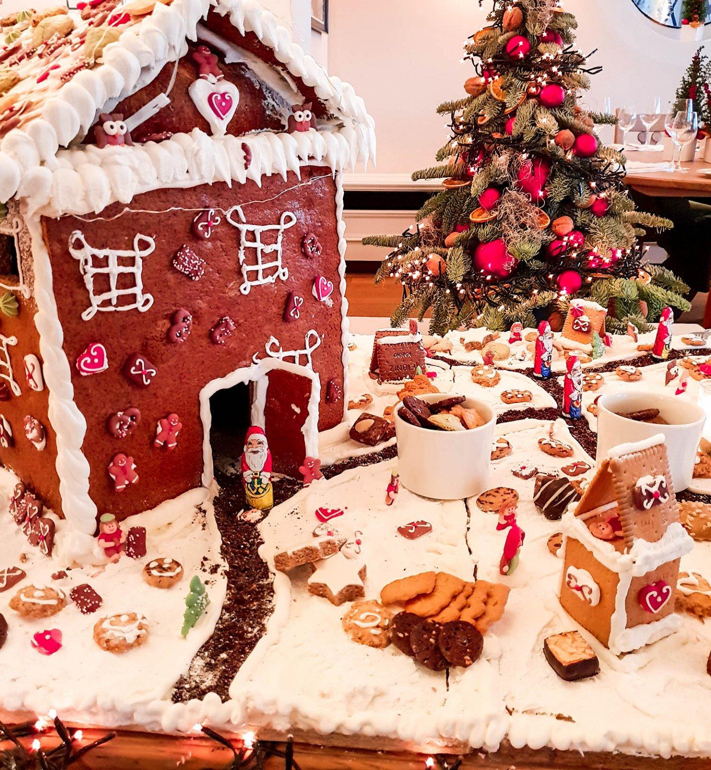 Merry-Christmas-Frohe-Weihnachten-Lebkuchenhaus-Kationette