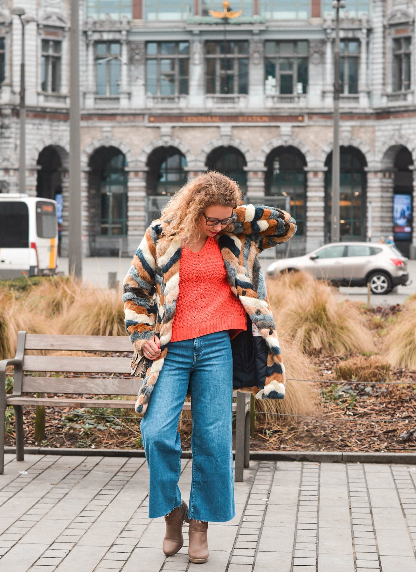 denim-culottes-kunstfellmantel-seventies-style-kationette-outfit