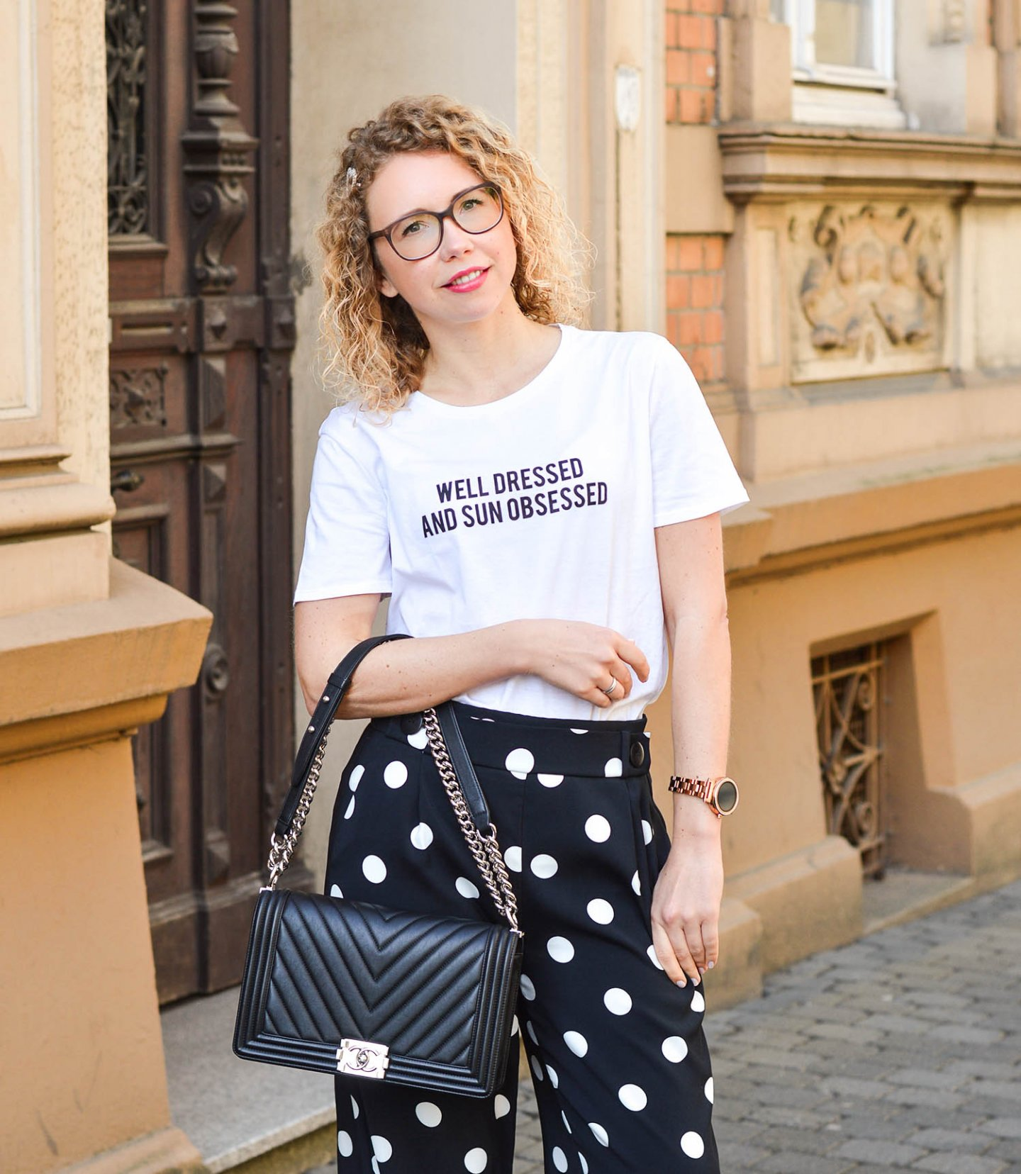 Chanel tasche statement shirt und culottes