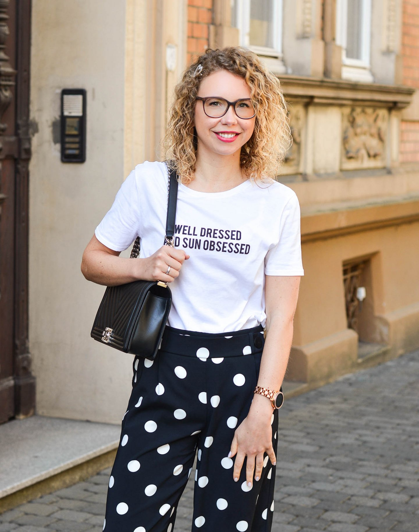 statement shirt und polka dots