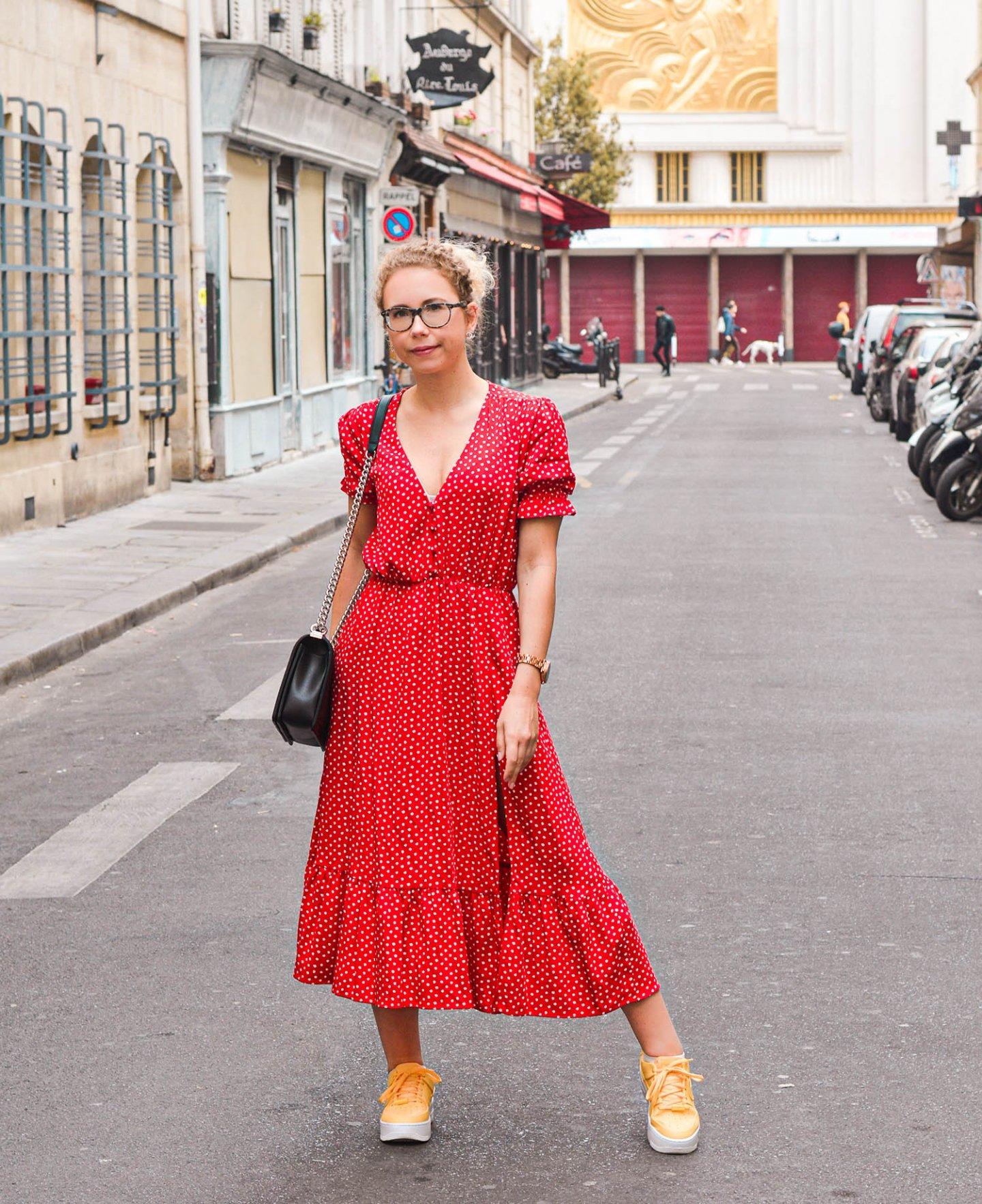 rotes pünktchenkleid von Zara