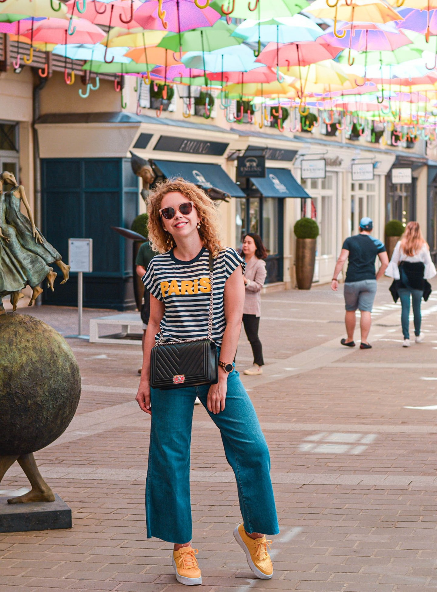 breton-shirt, culottes und village royal Paris