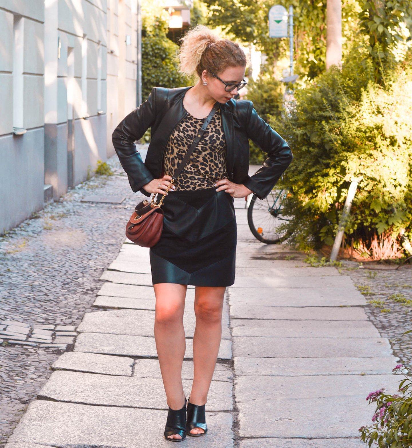 Leomuster und Leder Outfit - Kationette Fashionblog