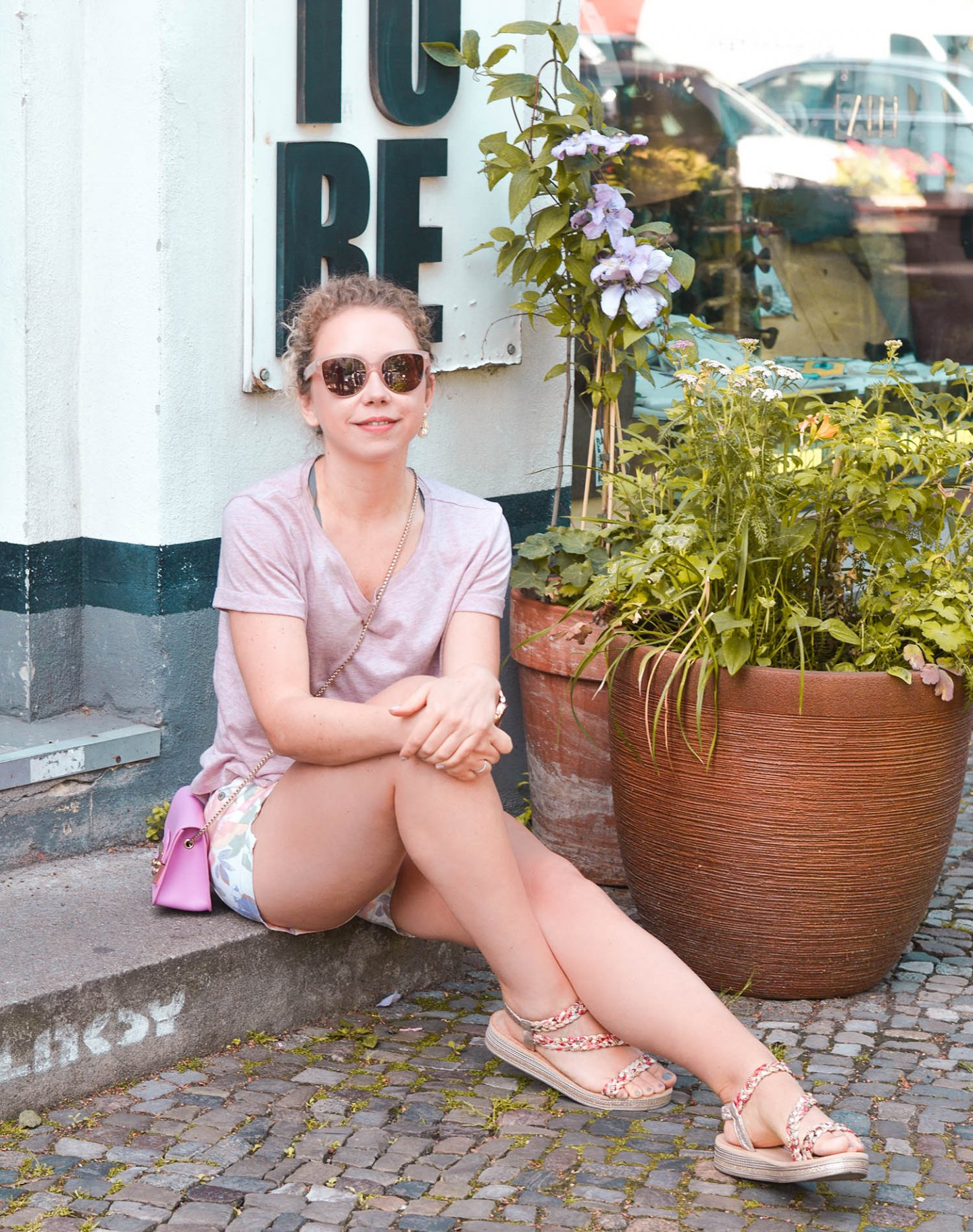 rosa Sommerlook in Berlin