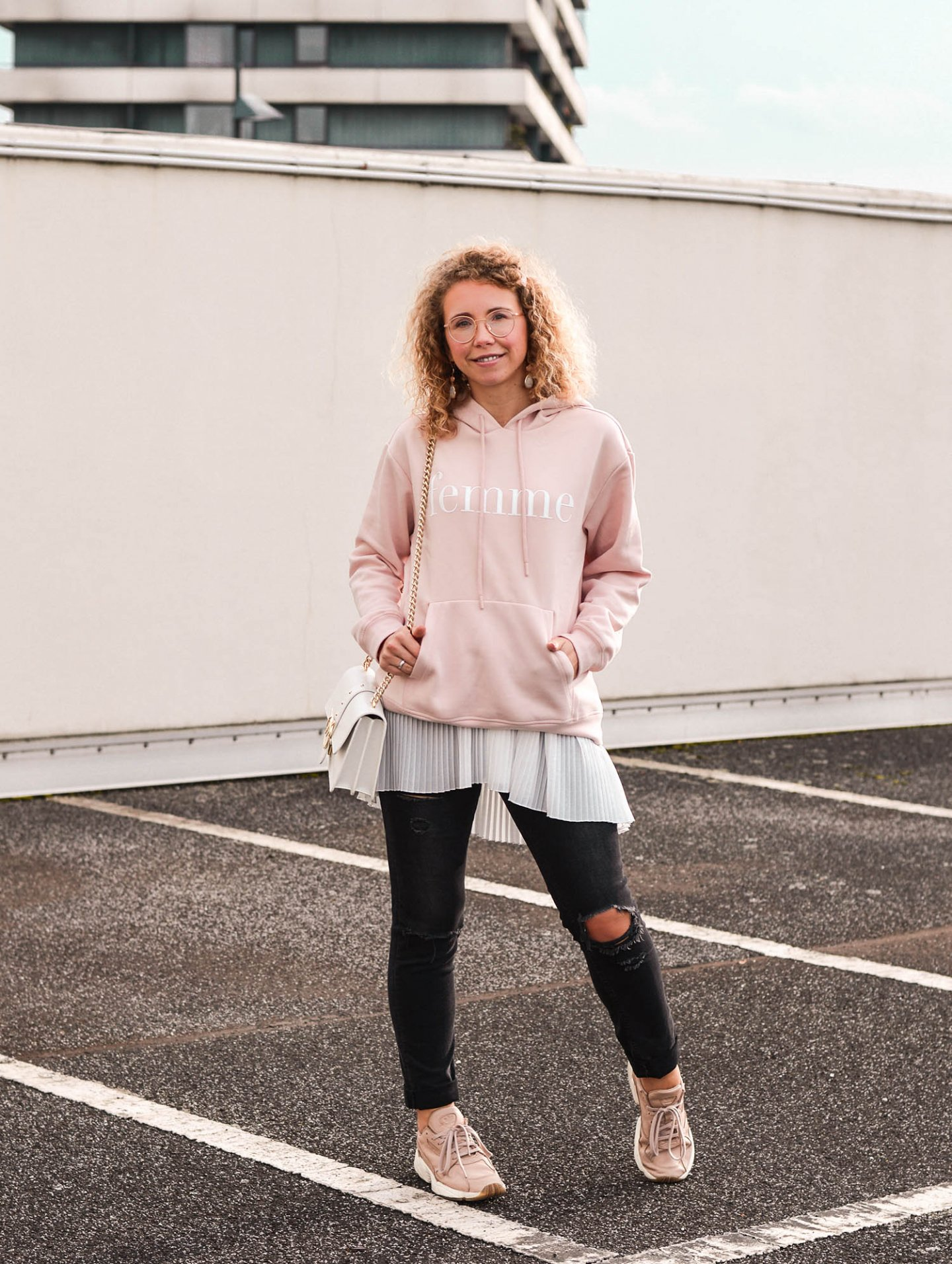 outfit inspiration hoodie trend