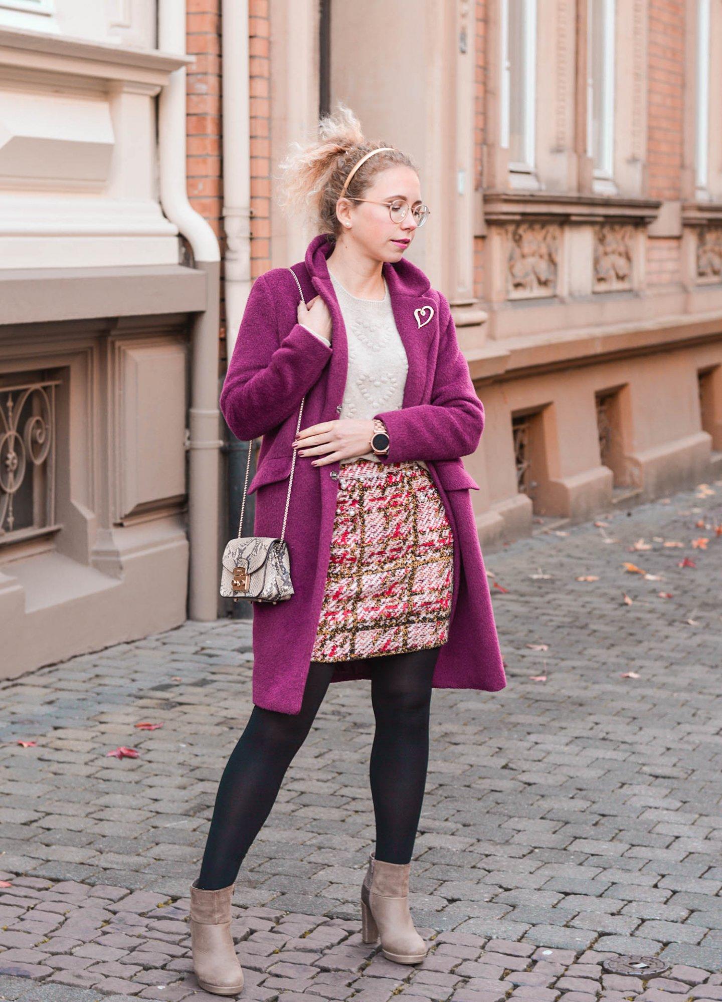 Tweedrock und Wollmantel: so trägt man Farbe im Herbst und Winter
