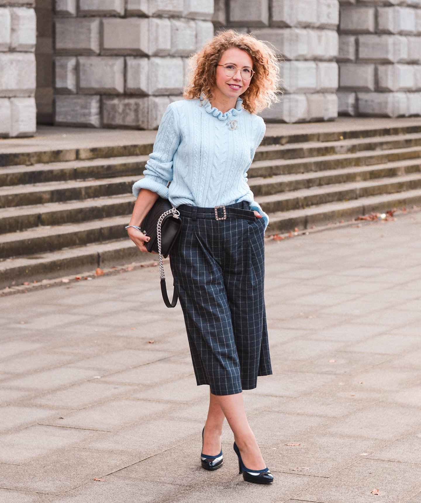Cozy Christmas Outfit mit Culottes, Strick & Pumps